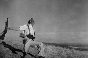 Robert Capa - Miliciano en el Cerro Muriano